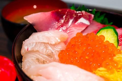 朝市さかば 海鮮丼