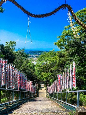 本宮神社の階段。