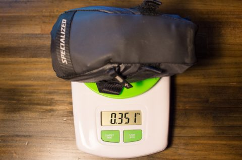 サドルバックの重量。